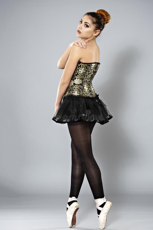 Danseur classique féminin professionnel photographie stock libre de droits