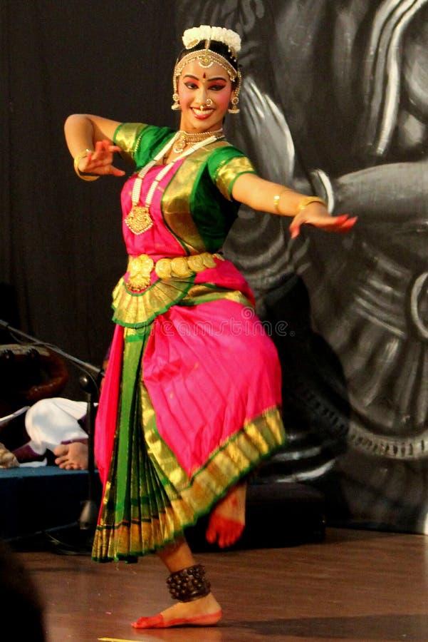 Danseur classique indien photographie stock
