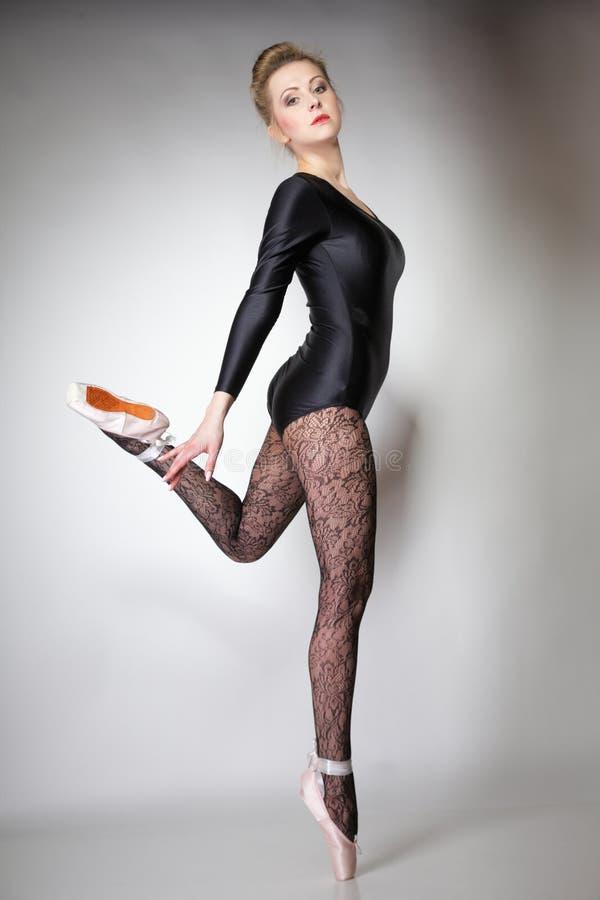 Bien-aimé Danseur Classique Moderne De Femme De Style Intégral Images stock  SJ99