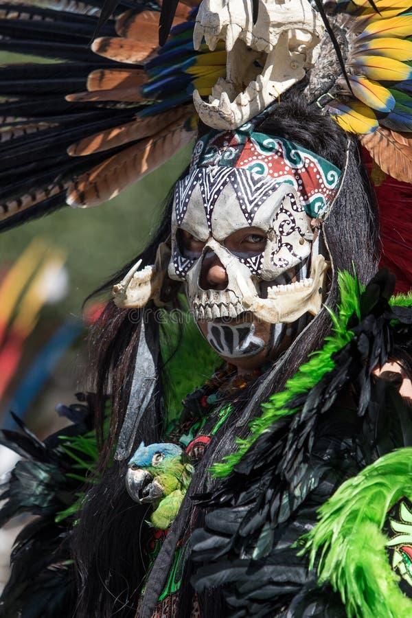 Danseur masqué de rue au Mexique photo libre de droits