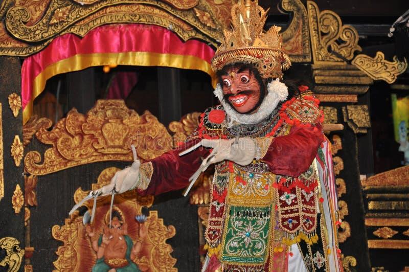Danseur masqué par Balinese image stock