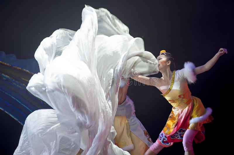 Danseur national tibétain photographie stock