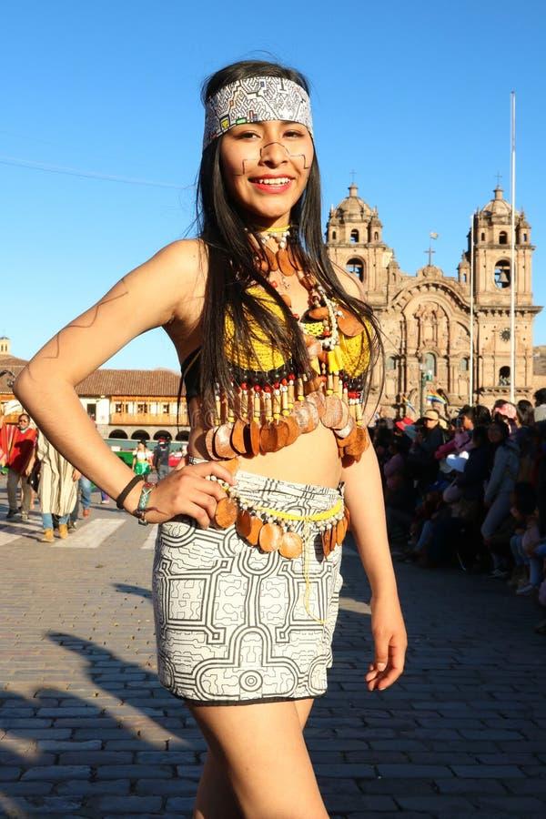 Danseur péruvien en tenue traditionnelle à la Fiesta del Cusco, 2019 photos libres de droits