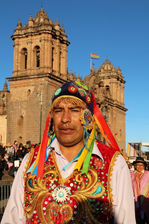 Danseur péruvien en tenue traditionnelle à la Fiesta del Cusco, 2019 photographie stock