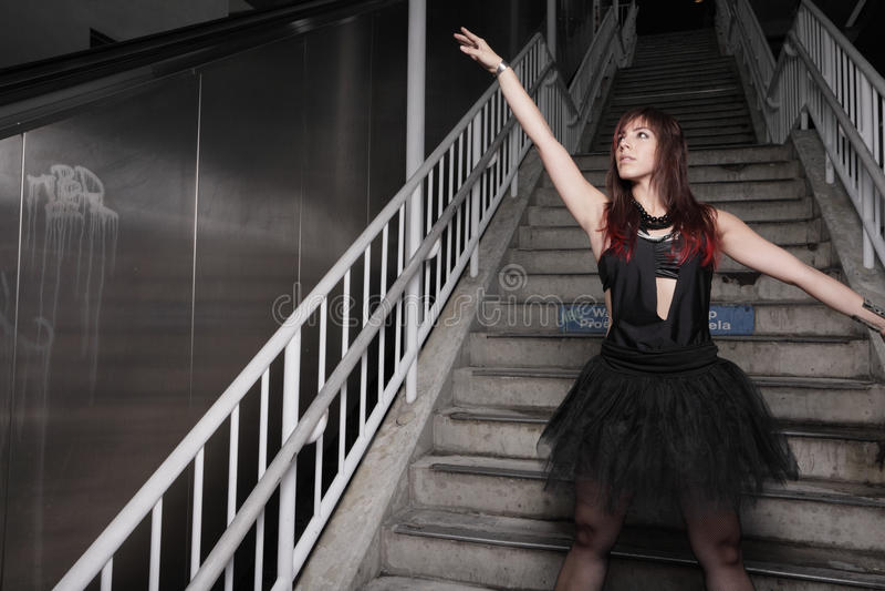 Danseur sur les escaliers image libre de droits