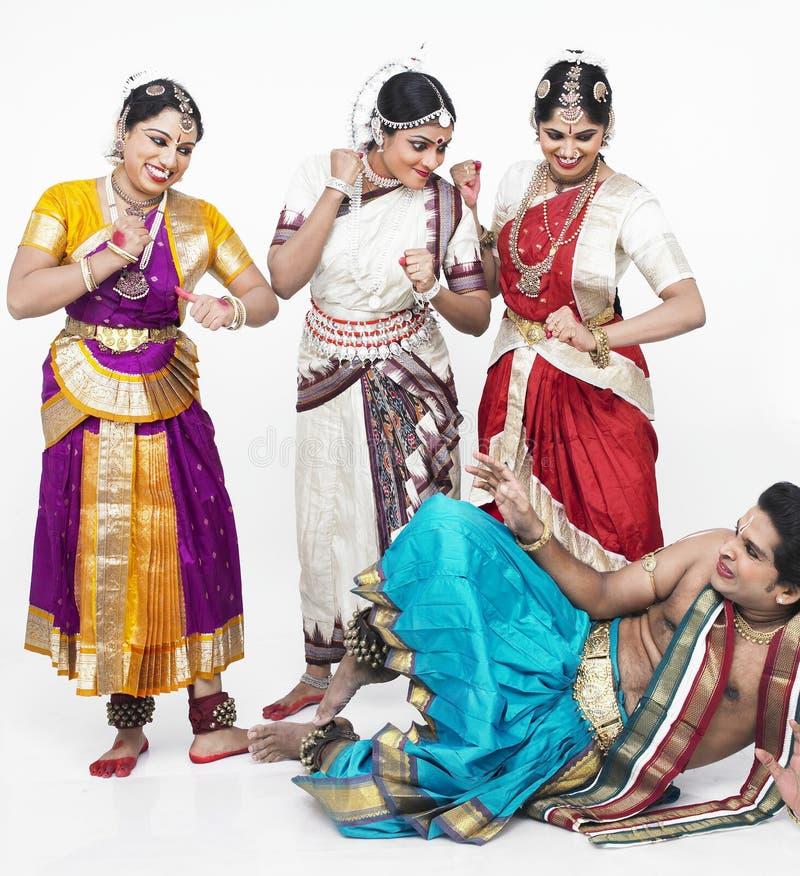 danseurs classiques ayant l'Indien images stock