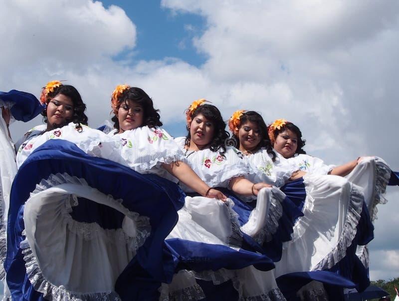 Danseurs d'Amérique centrale aux jours 2013 de l'héritage d'Edmonton images libres de droits