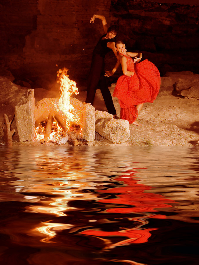danseurs dansant des Espagnols de flamenco photos libres de droits