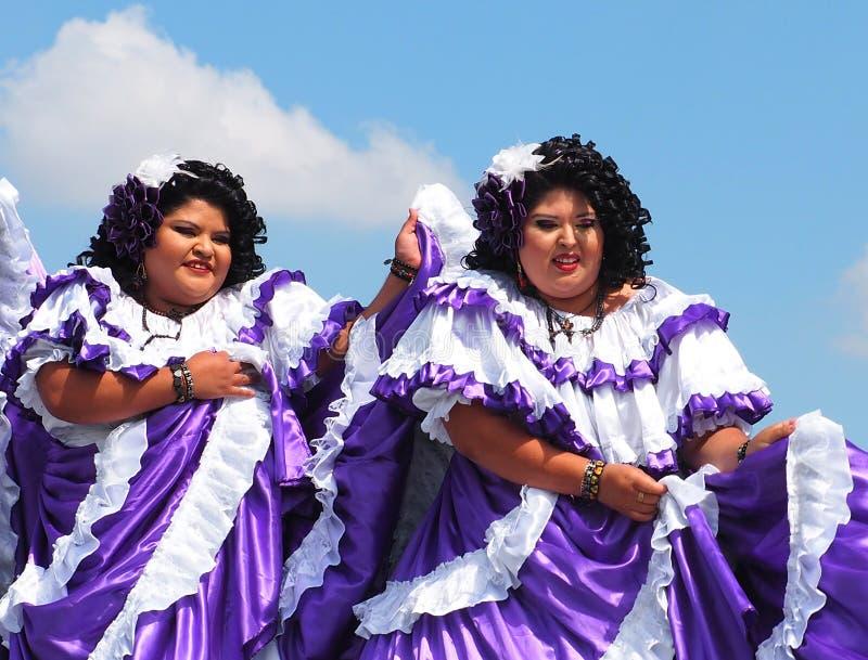 Danseurs folkloriques d'Amérique centrale photos stock