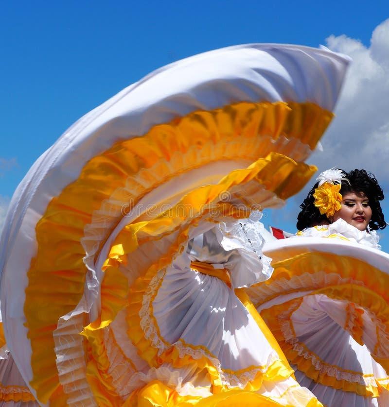 Danseurs folkloriques d'Amérique centrale photographie stock