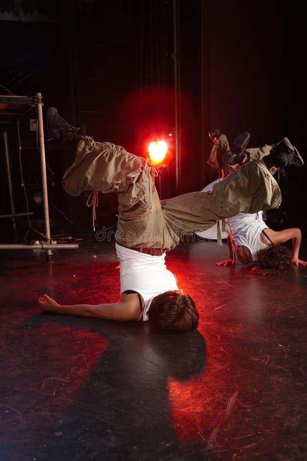 Danseurs sur l'étape images stock
