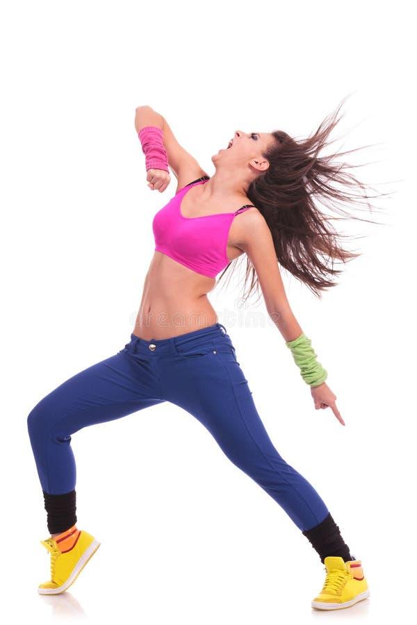Danseuse énergique de jeune femme image stock