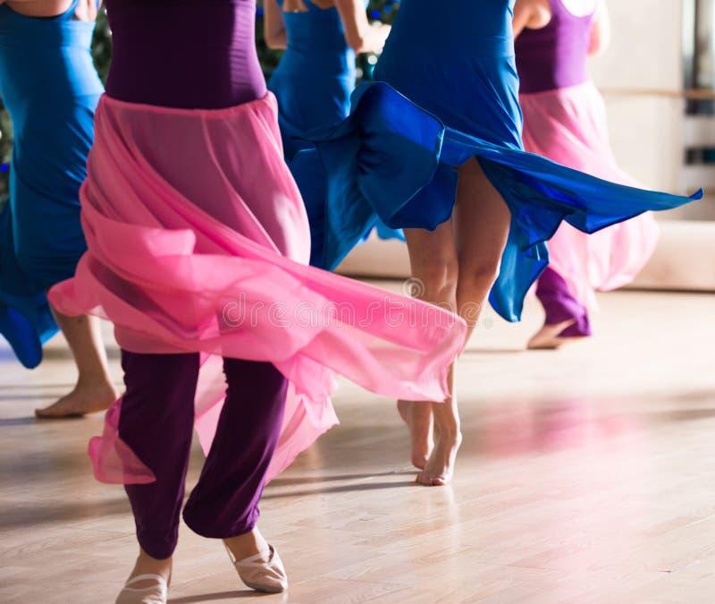 Dansgrupp för kvinnor royaltyfri bild