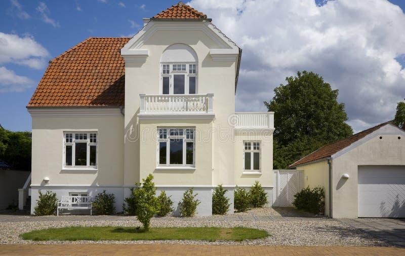 dansk trevlig villa fotografering för bildbyråer