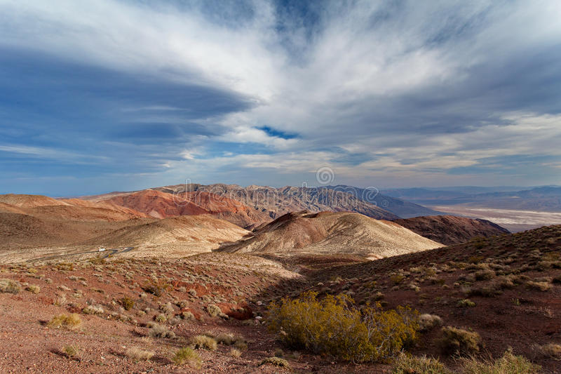 Dante& x27; 在日落-死亡谷国家公园的s视图 库存照片