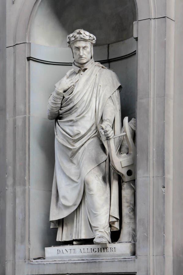 Dante Alighieri στις θέσεις της κιονοστοιχίας Uffizi, Φλωρεντία στοκ φωτογραφίες