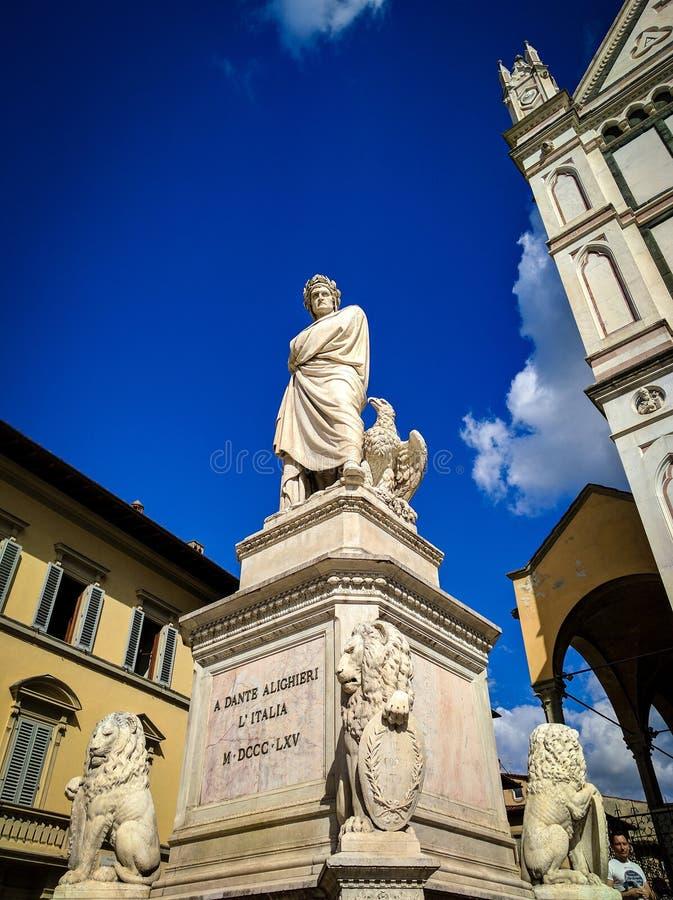 Dante Alighieri-monument in Florence, Italië stock afbeelding