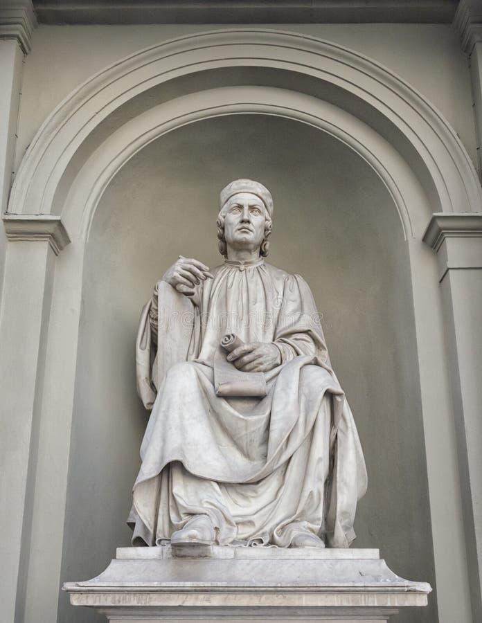 Dante Alighieri Statue en Florencia, Italia imagenes de archivo