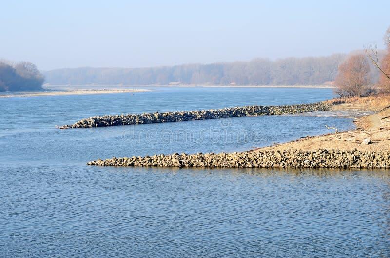 Danube i Morava rzeczna zbieżność blisko Bratislava miasta obrazy royalty free