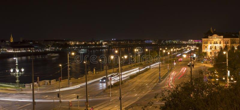 Danube i ruch drogowy obrazy stock