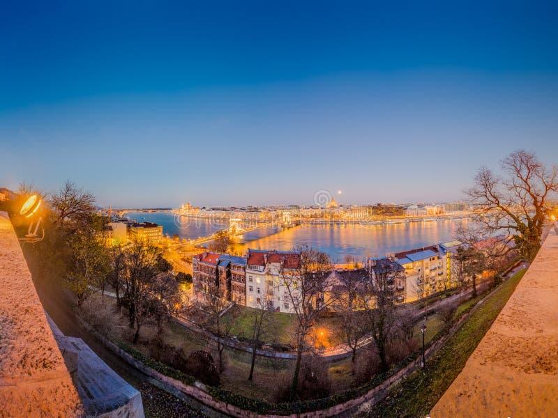 Danube River em Budapest em Hungria foto de stock royalty free