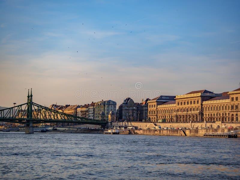 Danube rzeka w W?gry jest d?ugim rzek? w unii europejskiej obrazy stock