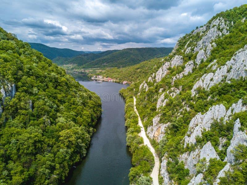 Danube wąwozów neear żelazo Zakazuje Rumunia zdjęcia stock