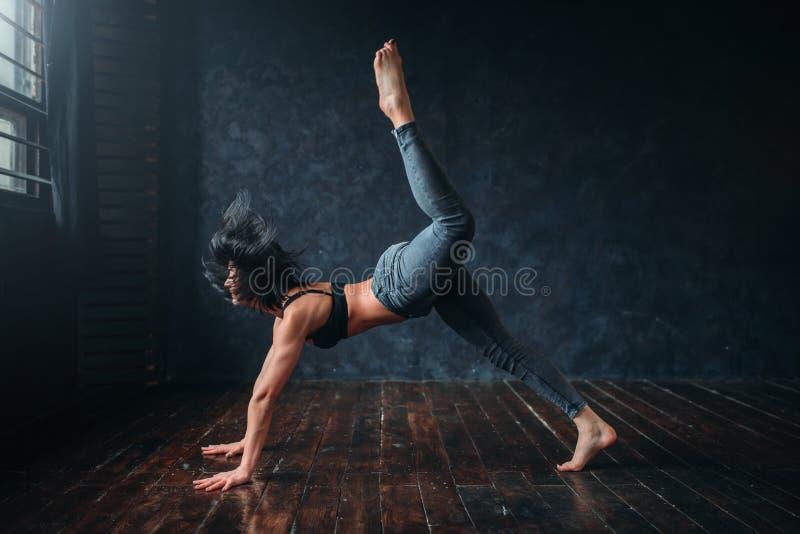 Danza contemporánea, bailarín de sexo femenino, baile del contemp foto de archivo