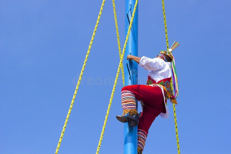Danza de los voladores, Mexico som är karibisk royaltyfri bild