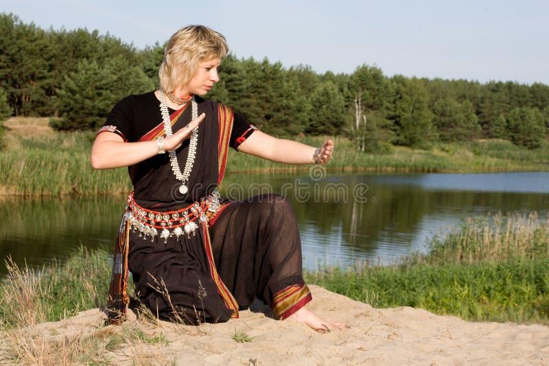 Danza india fotos de archivo