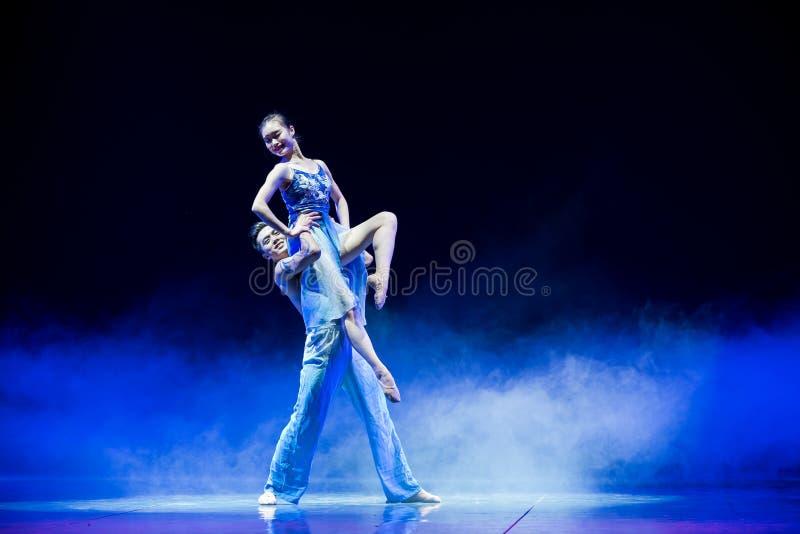 Danza popular Trago-Swallowling-china que vuela fotografía de archivo