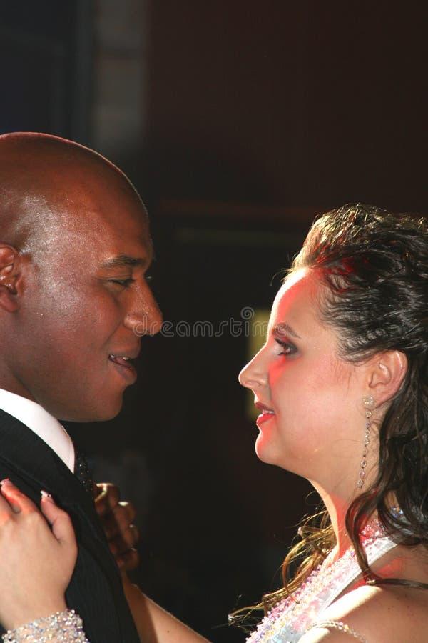 Download Danza Wedding De Un Par Nuevo-casado. Foto de archivo - Imagen de prepare, emoción: 1283598