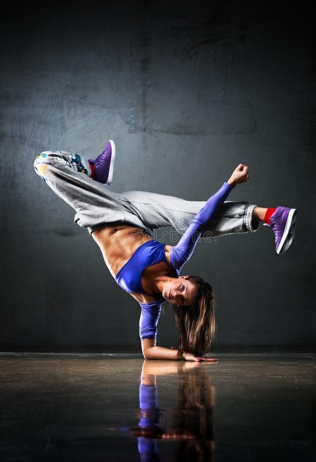Danzatore della giovane donna fotografie stock libere da diritti