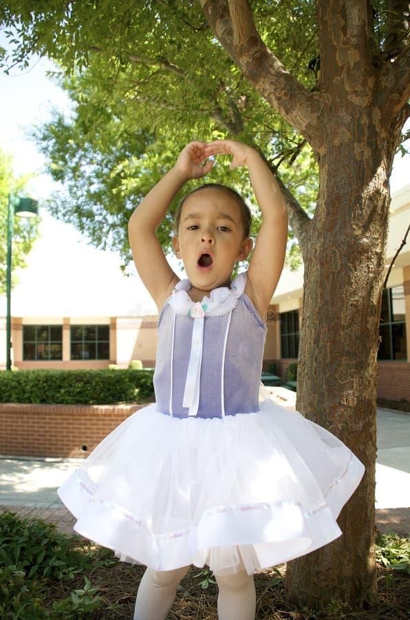 Danzatore di balletto di sbadiglio immagini stock libere da diritti