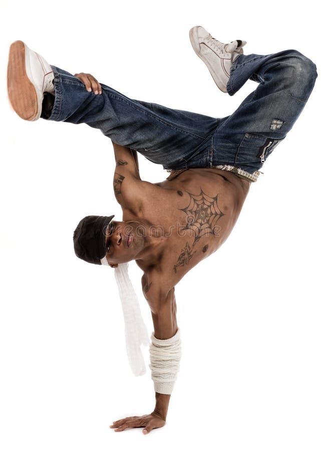 Danzatore di Hip-hop durante la sua sessione di pratica immagini stock
