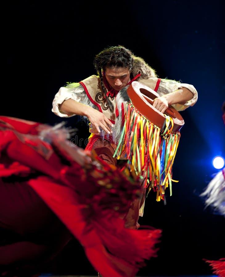 Danzatore etnico cinese di Qiang immagini stock libere da diritti