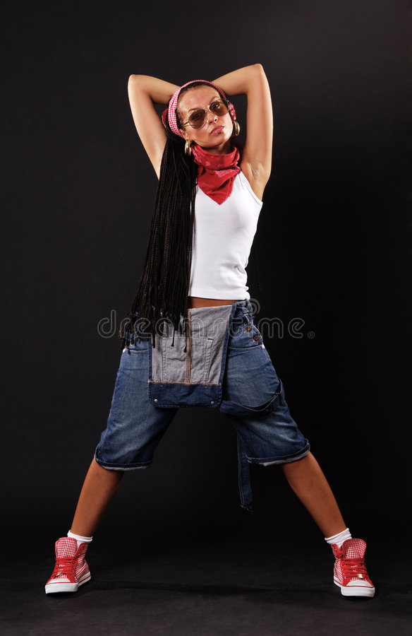 Danzatore serio in occhiali da sole fotografie stock libere da diritti