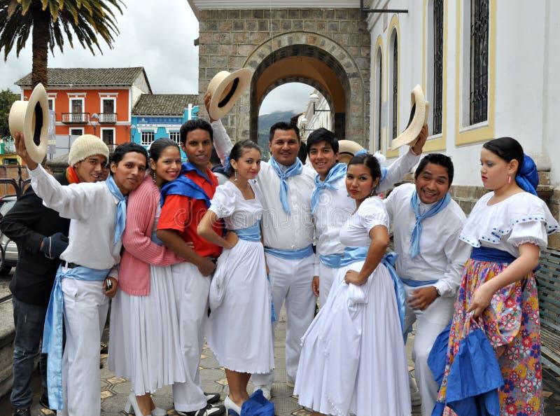 Danzatori felici del Ecuadorian immagini stock libere da diritti