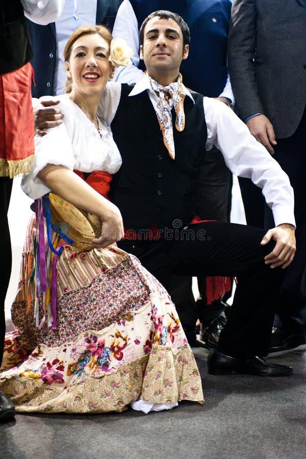 Danzatori italiani tradizionali al BIT 2012 immagine stock