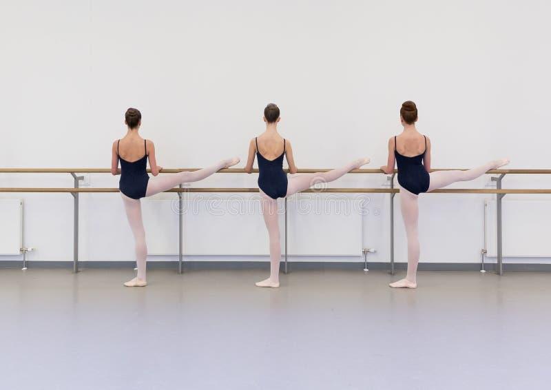 Danzatori sulla fase fotografia stock libera da diritti