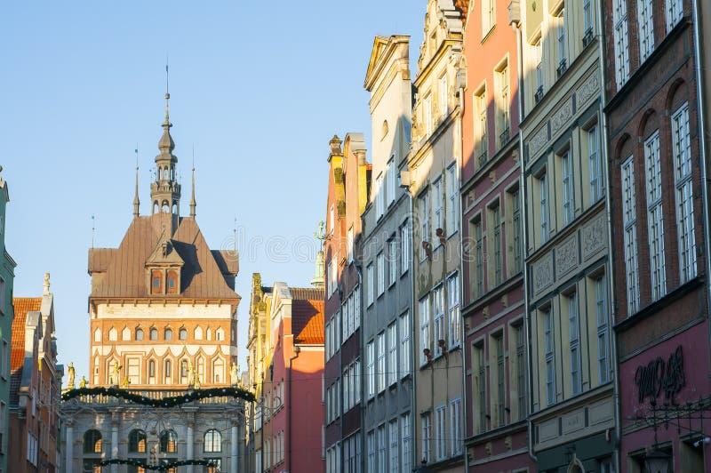 Danzig, Pologne, décembre 2017 Rue de Dluga, vue sur le Brama d'ota de 'du Golden Gate ZÅ dans la vieille ville image stock
