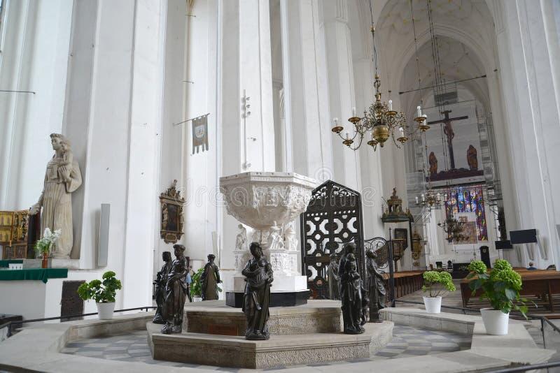 Danzig, Pologne Fragment d'un intérieur d'une église de Vierge Marie saint photo libre de droits