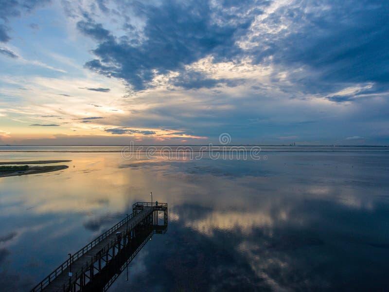 Daphne, por do sol de Alabama na costa do golfo imagem de stock royalty free