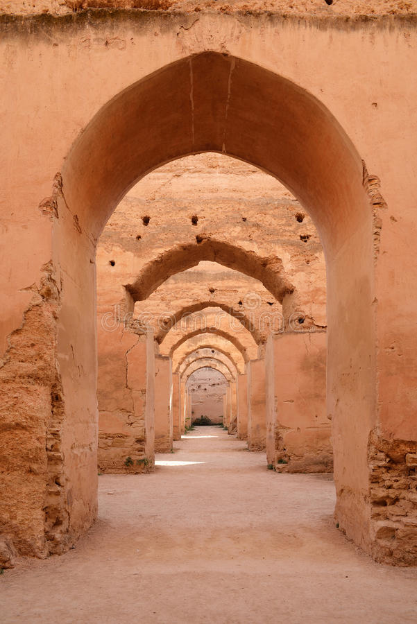 Dar El Makhzen Конюшни Moulay Ismail султана в Meknes, Марокко стоковые фотографии rf