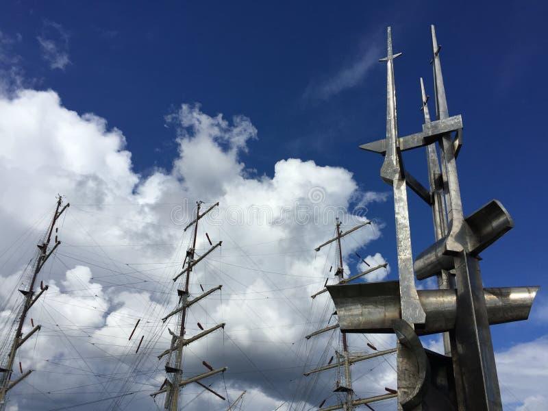 Dar Pomorza en Monument van Zeelieden, Gdynia, Polen stock afbeelding