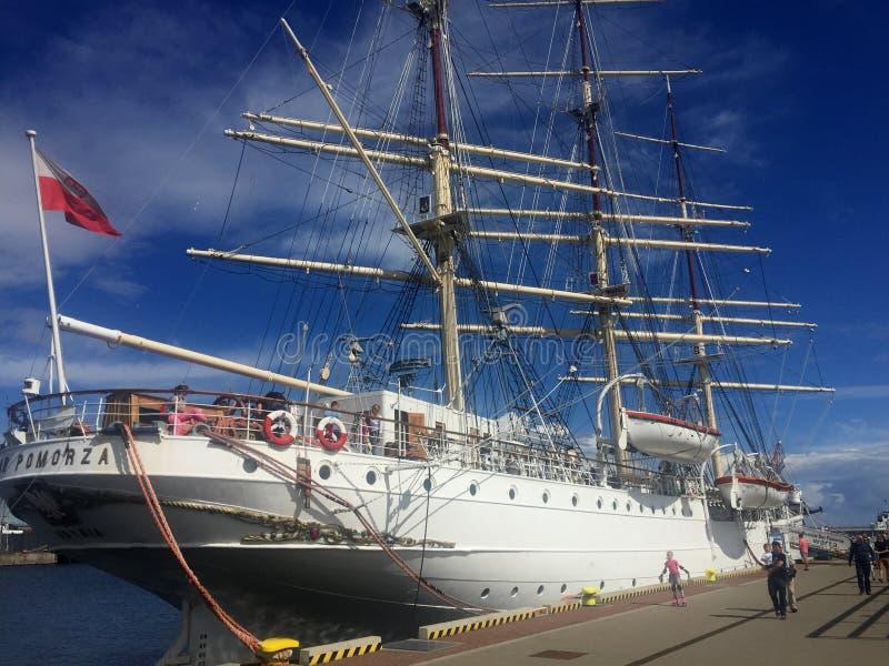 Dar Pomorza Tall Ship in Gdynia-Hafen lizenzfreie stockfotografie