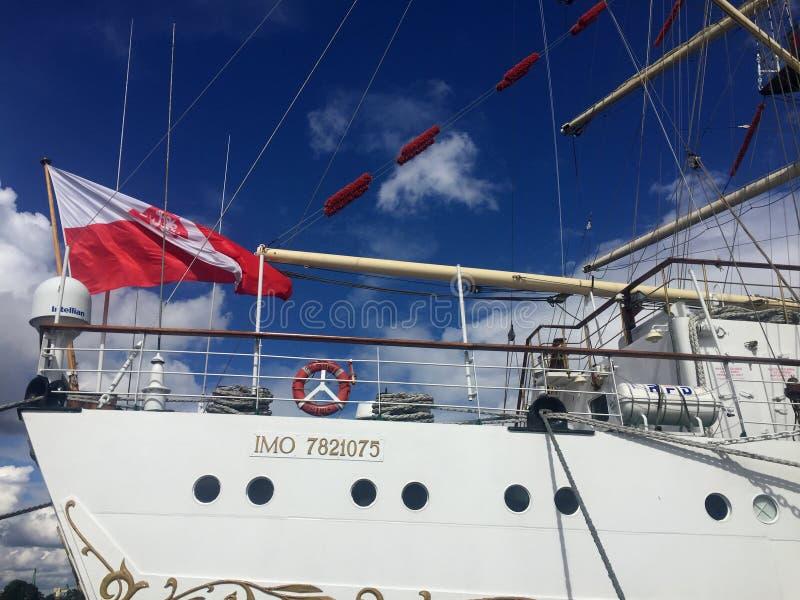 Dar Pomorza Tall Ship in Gdynia-Hafen lizenzfreie stockbilder