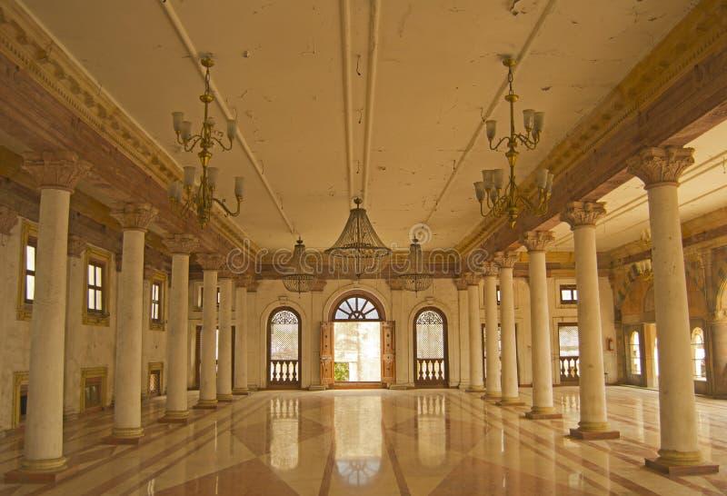 Darbar Hall av historiska Royal Palace av Indore royaltyfria foton