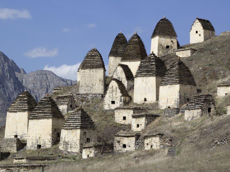 Dargavs, Ossetia del norte, Rusia La ciudad de los muertos es una necrópolis antigua imagenes de archivo