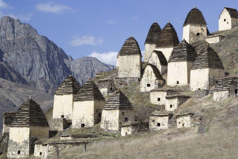 Dargavs, Ossetia del norte, Rusia La ciudad de los muertos es una necrópolis antigua fotografía de archivo